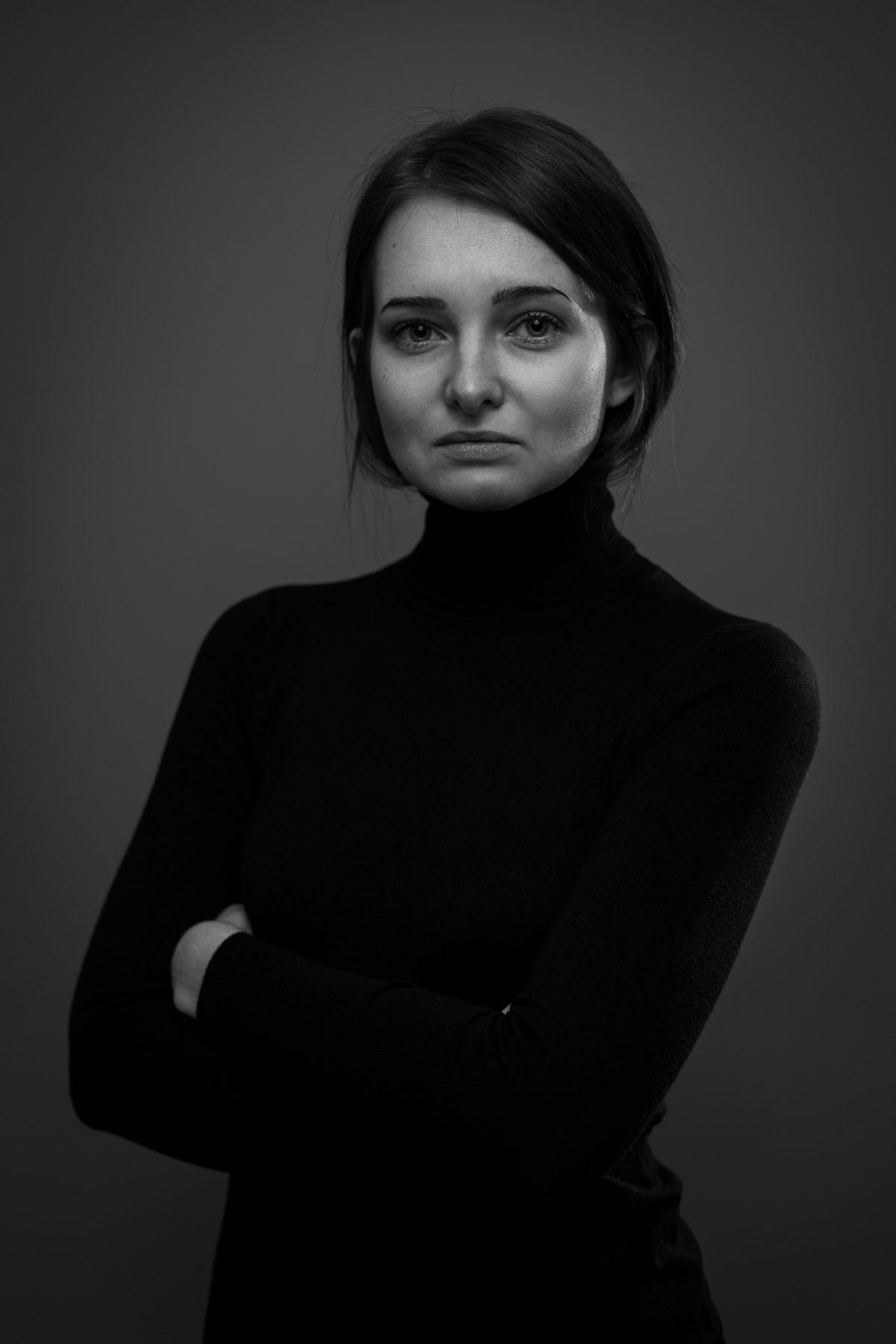 Schwarz-Weiss Portrait einer Frau